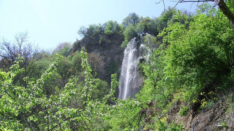 "Водопадът ""Полска Скакавица"""