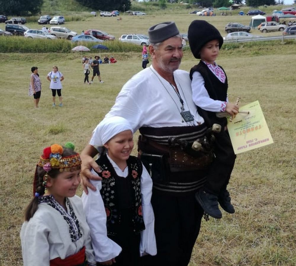 Традиционното гайдарско надсвирване в Гела             Снимка: Радостина Чернокова