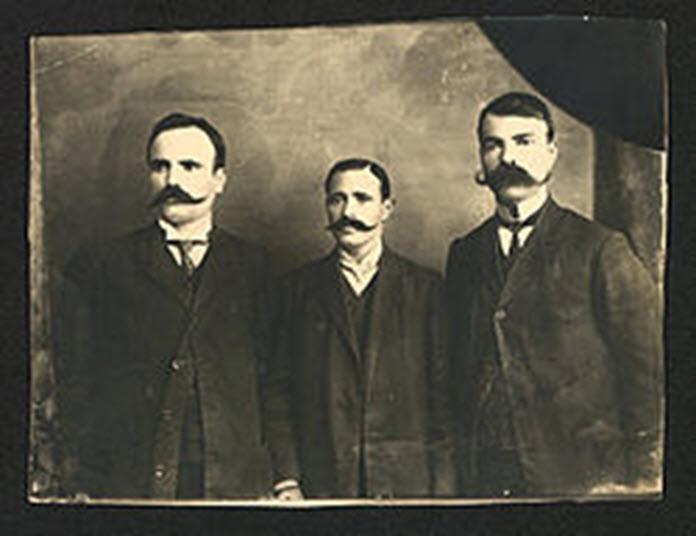 Nga e majta në të djathtë: Ivan Garvanov, Efrem Çuçkov dhe Millan Matov, Selanik, viti 1906