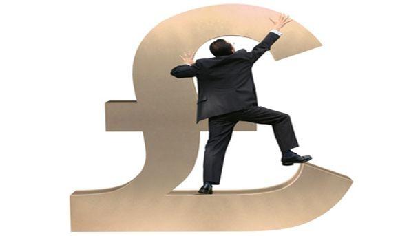 Британската лира поскъпва спрямо долара и еврото след информации, че