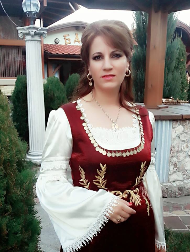 Надя Петрова
