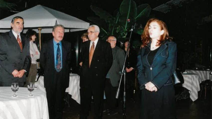 Dönemin BNR Genel Müdürü Polya Stançeva Türkçe Yayınlar Bölümü Ekibini yayın hayatlarının yeniden başlamasının 10. yılını tebrik ederken