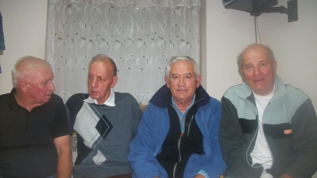 Георги Топалов - вторият от дясно наляво