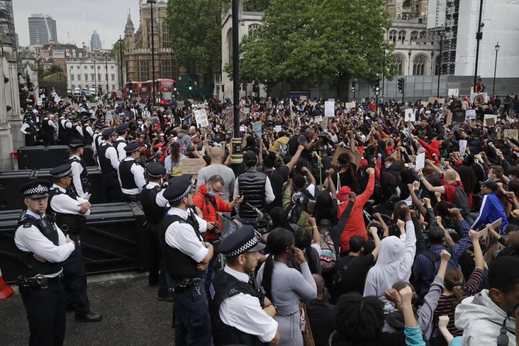 Митинг в Лондон