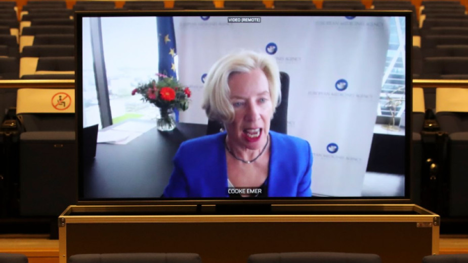 Онлайн пресконференция на шефа на EMA Емър Кук