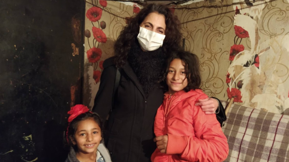 Таня Величкова с децата