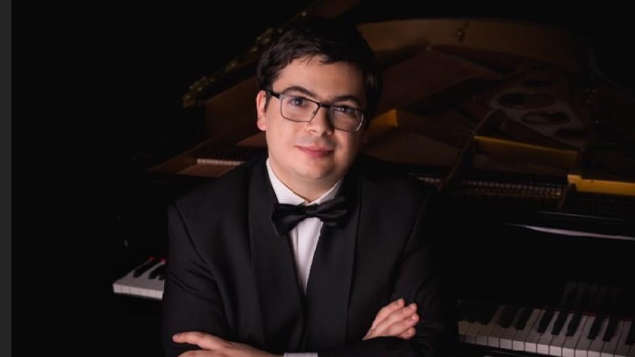 Пианистът Мартин Иванов