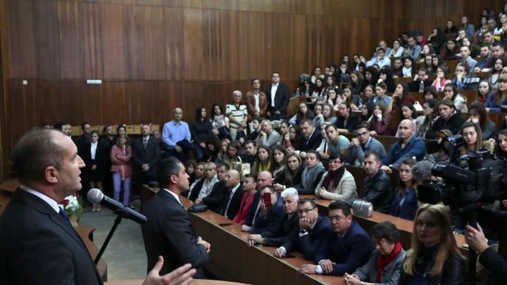 Президентът Румен Радев: България все по-трудно се вписва в европейския пейзаж