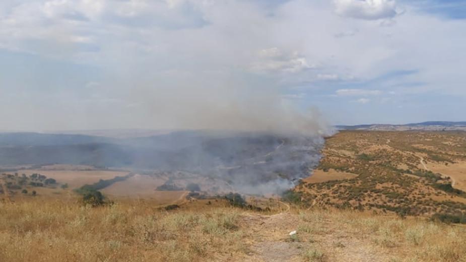 Локализират се огнищата на пожара в село Бучино, вече няма