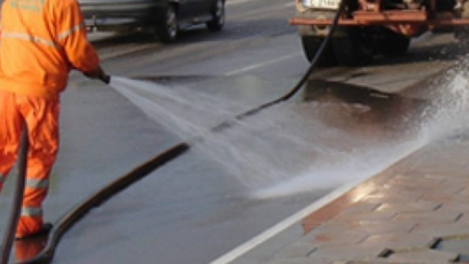 Dezinfekciya Na Avtobusnite Spirki I Ulicite Zapochna V Blagoevgrad