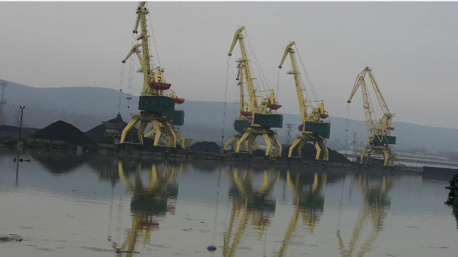 Сирия предоставя търговското пристанище на руска компания
