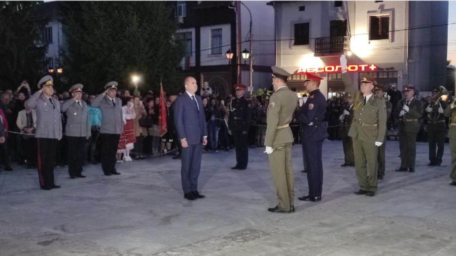 В град Бяла черква тази вечер тържествено бяха отбелязани 145