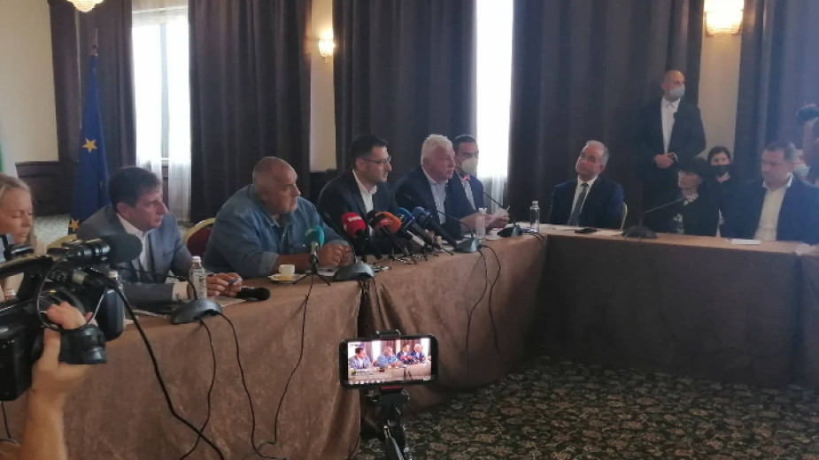 Почтеностт в политиката е да носиш отговорност, каза Борисов в Пловдив -  Новини