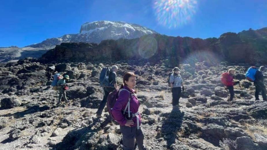 Албена и Павел Благеви изкачиха Килиманджаро навръх Голяма Богородица, а