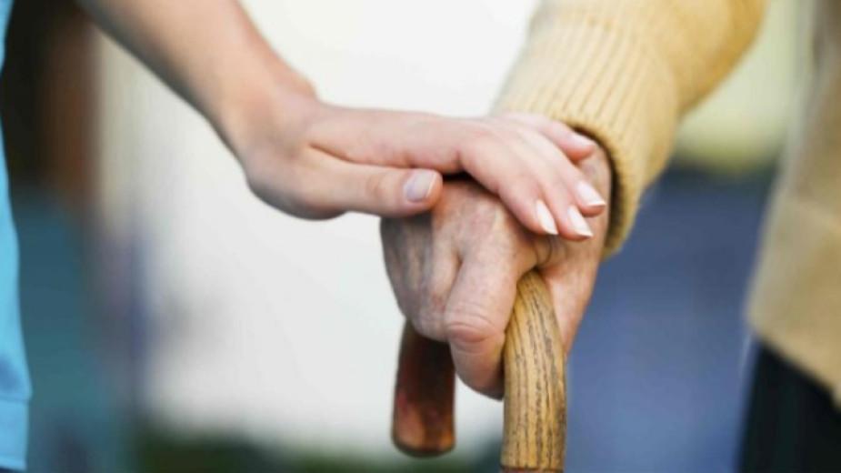 Близо 100 възрастни и хронично болни жители на община Тунджа