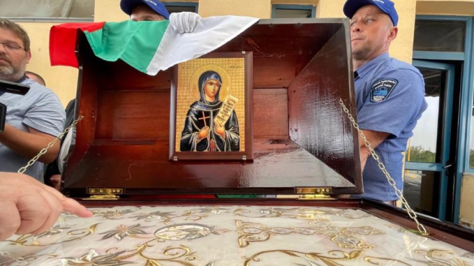 Риза на света Петка Българска, дарена на Русенска епархия от