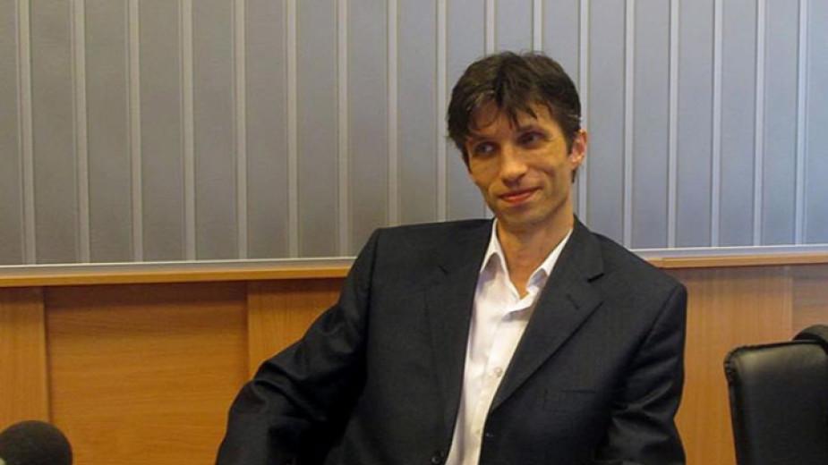 Доц. Сарийски: От еврозоната ще спечелят малцината, които мислят за джоба си - Общество - БНР Новини