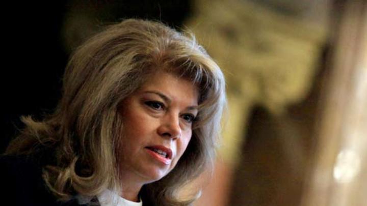 Илияна Йотова за имотния скандал: Борисов е на ход