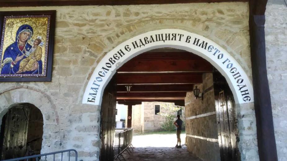 Троянският манастир в очакване на храмовия си празник Успение Богородично