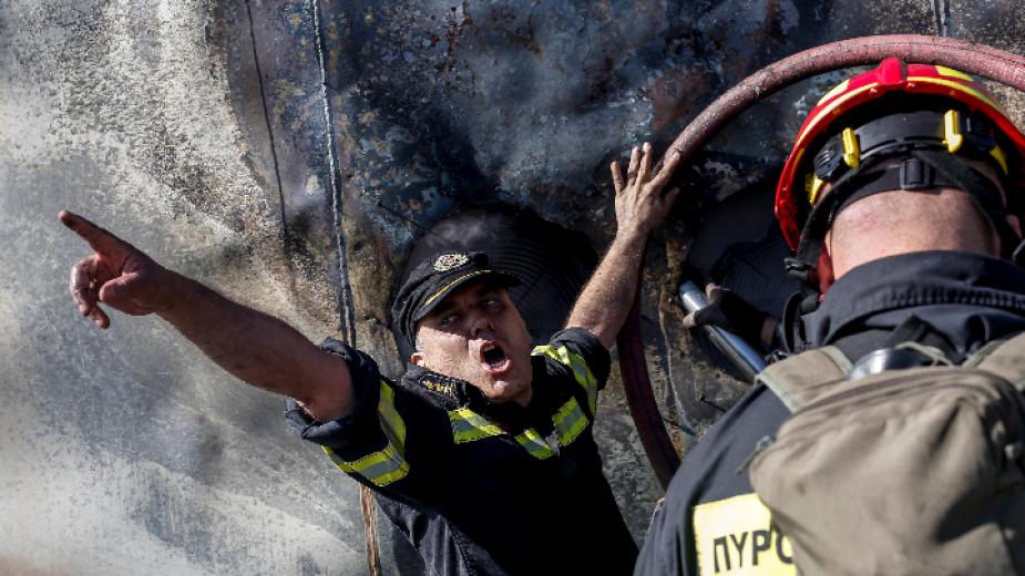 Нови пожари в Гърция, евакуирани са две села и манастир