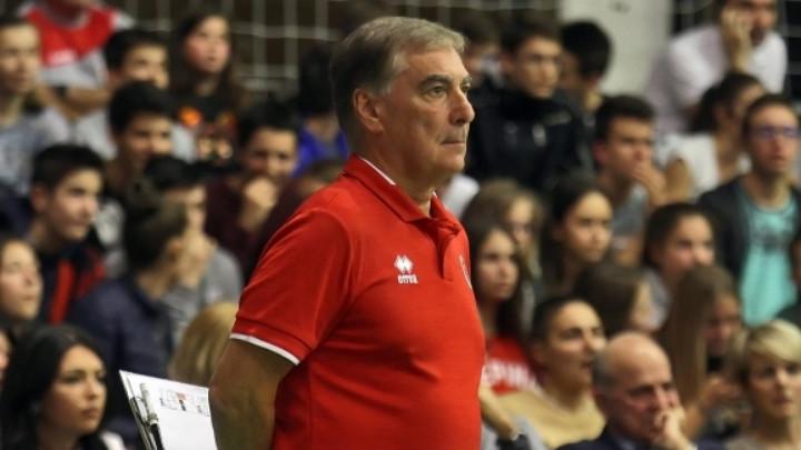 Старши-треньорът на мъжкия национален отбор Силвано Пранди, който изведе Шомон