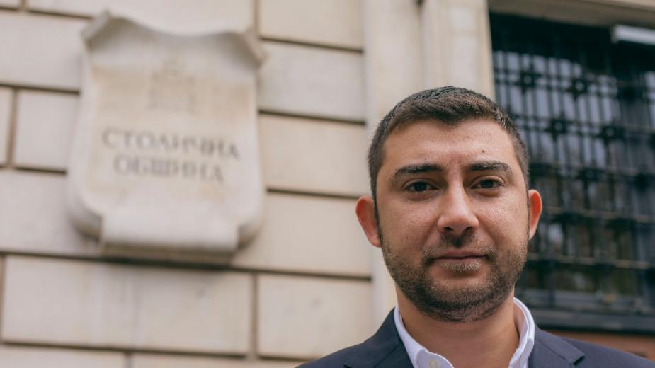 Общинските съветници на София премахват безплатните 213 паркоместа за депутатите.Паркингът