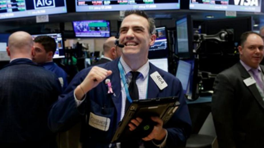 Ръст на Уолстрийт след подновени надежди за търговска сделка САЩ-Китай