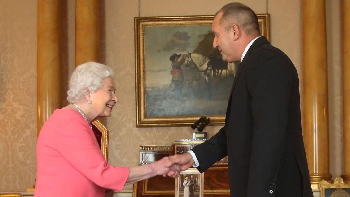 Президентът Радев е поканил Елизабет Втора или членове на кралското семейство да посетят България