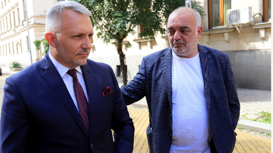 """Ние идваме"""" подкрепя Румен Радев за втори мандат - Избори 2 в 1 - БНР Новини"""