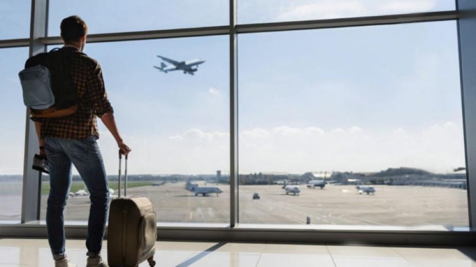 Адв. Деков: Ценообразуването на авиокомпаниите не е достатъчно прозрачно
