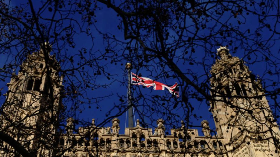 Британският отдел за борба с тероризма разследва убийството на консервативен депутат