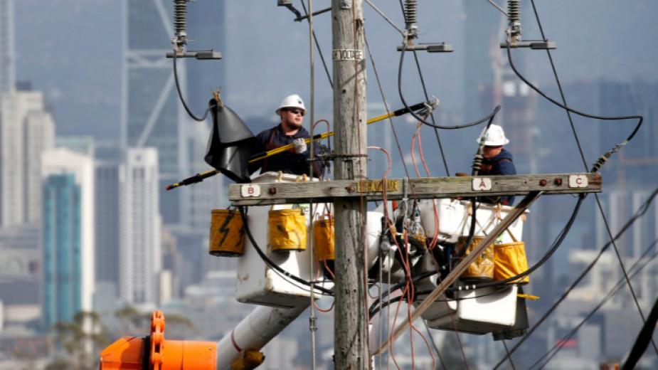 Милиони калифорнийци остават без ток поради риск от пожари