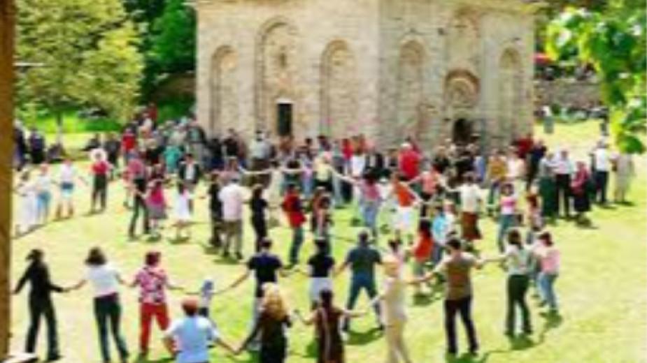 Днес празнуват жителите на град Земен. Празникът,наричан от местните Пантеле,