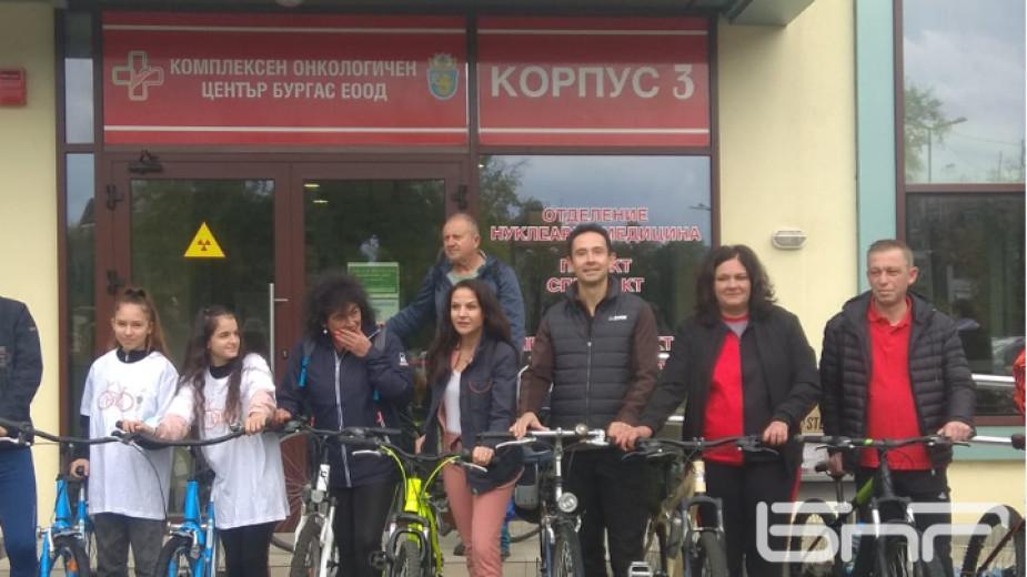 Велотон в подкрепа на онкоболни жени се проведе в Бургас.