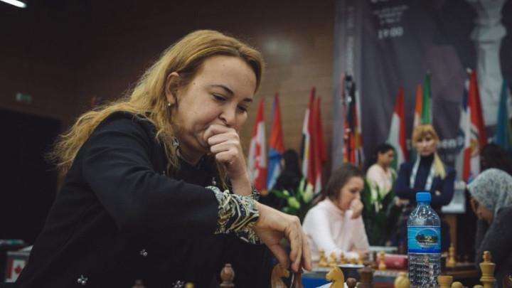 Бившата световна шампионка Антоанета Стефанова постигна реми в първия кръг