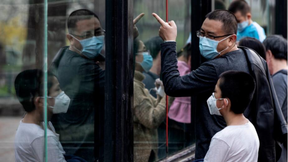 Китайски лекари описаха в наръчник борбата с коронавируса