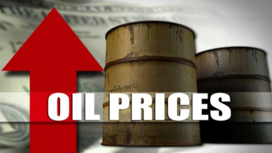 Петролните фючърси продължават да поскъпва в началото на търговията в