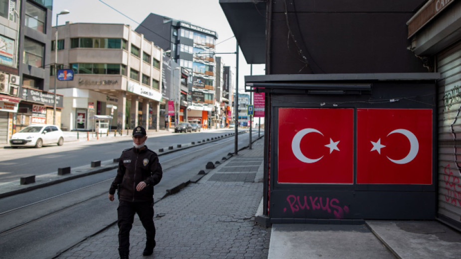 Полицията в Турция проведе днес операция срещу членове на организирана