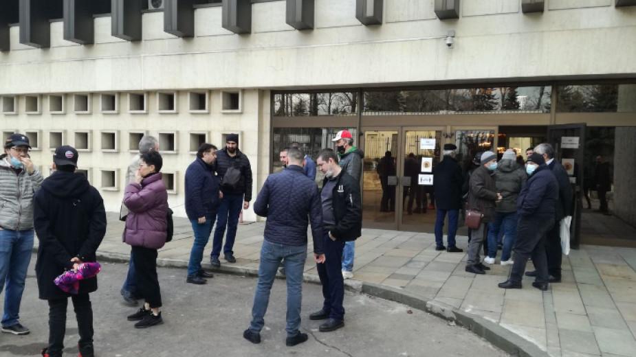 От днес българските консулски служби на територията на Русия приемат