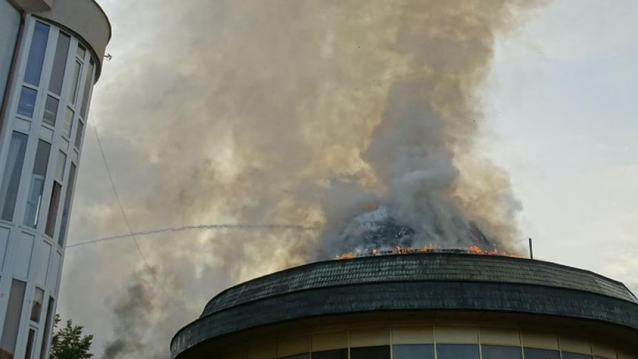 Пожарът, избухнал вчера в ранните часове на деня в сграда