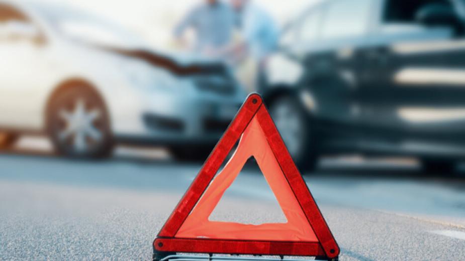 Катастрофа затруднява предвижването пообходния път на магистрала
