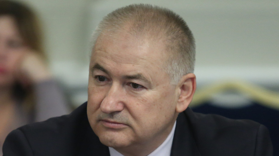 Правителството освободи предсрочно Атанас Темелков от длъжността председател на Държавна