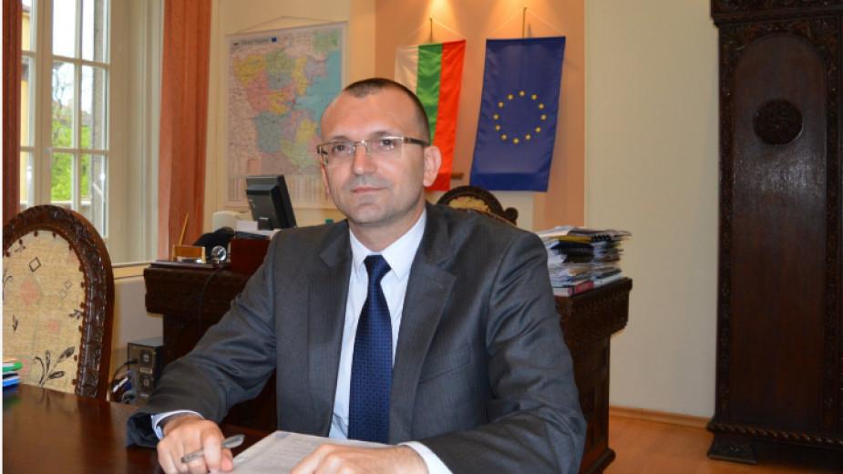 Областният управител на Бургас настоява за ежегодно почистване на четири реки