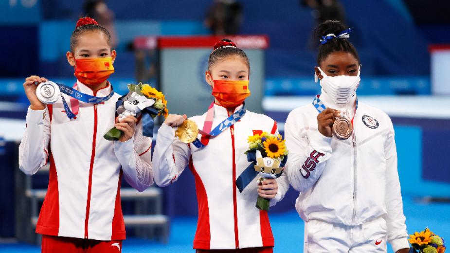 Суперзвездата на световната спортна гимнастика Симон Байлс спечели бронзов медал