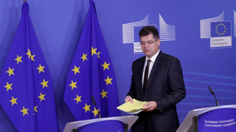 Европейският съюз ще изпрати в Турция три самолета за гасене