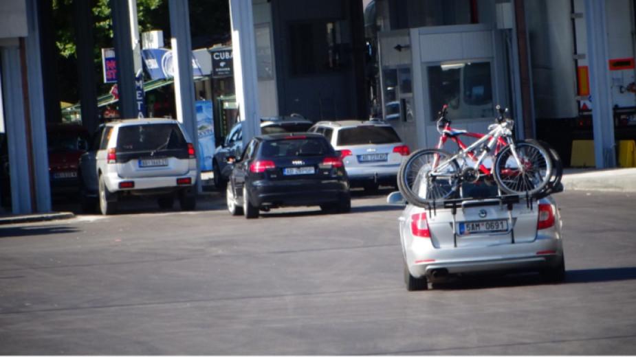 Интензивен е трафикът на леки автомобили, пътуващи към Гърция на