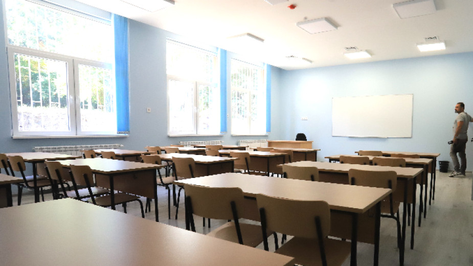 Оценките и отсъствията на учениците в над 80% от класовете
