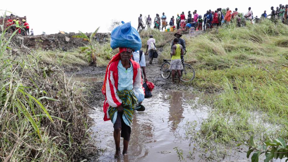 Оцелелите от циклона Идай в Мозмабик са изправени преди взрив от епидемии