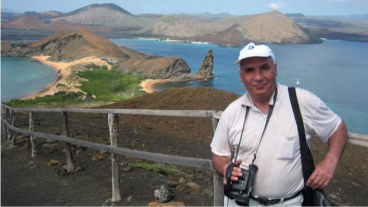 Симеон Идакиев на островите Галапагос