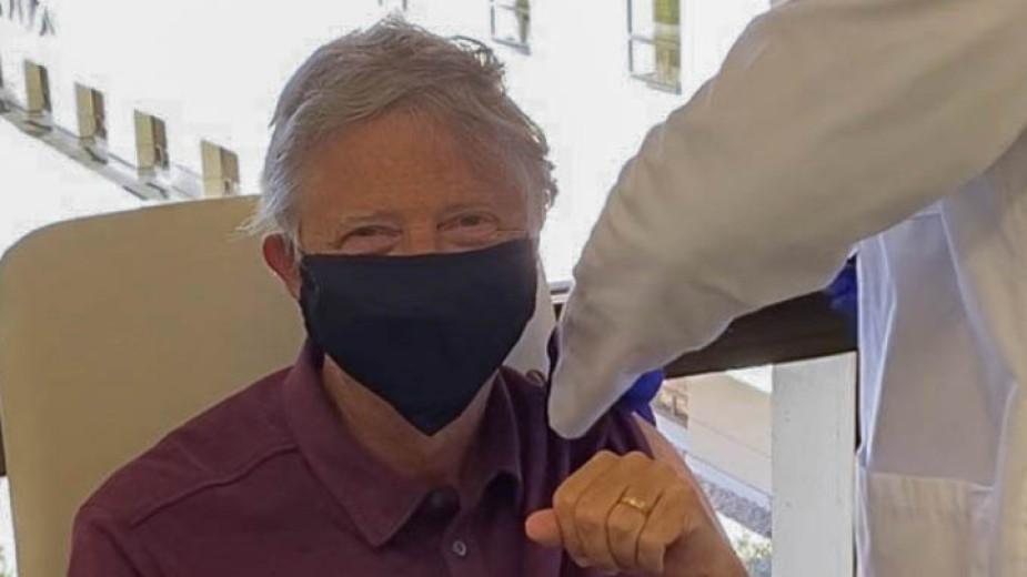 Бил Гейтс се е ваксинирал срещу Covid-19